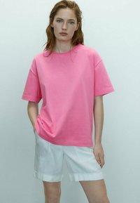 Massimo Dutti - T-shirt basic - neon pink - 1