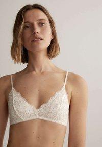 OYSHO - Triangle bra - white - 0