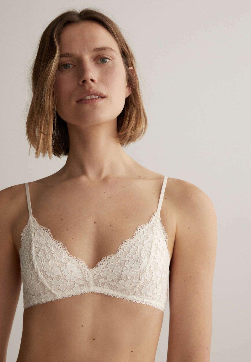 OYSHO - Triangle bra - white