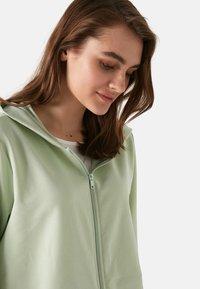 LC Waikiki - Zip-up sweatshirt - green - 3