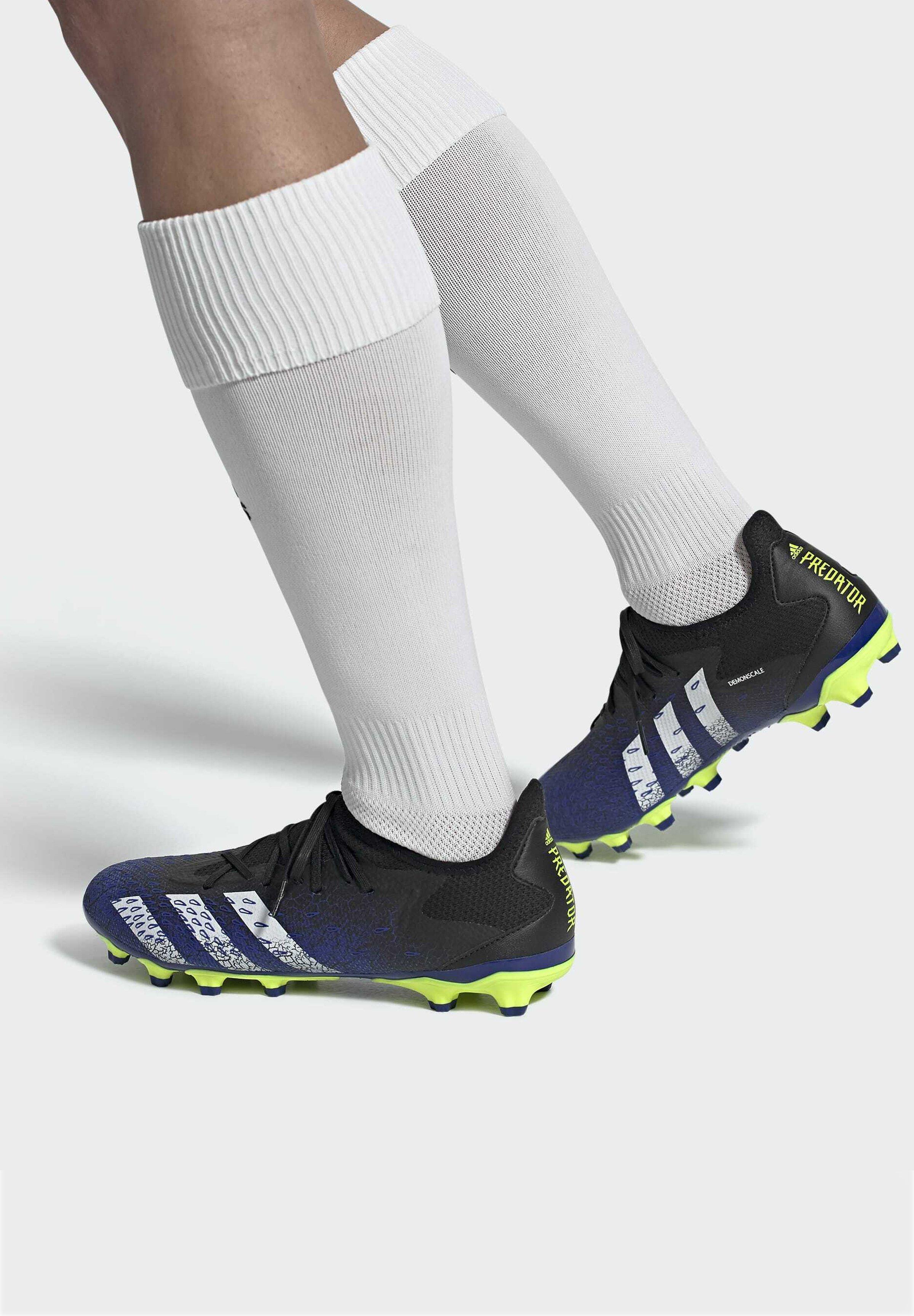 Women PREDATOR FREAK .3 MULTI GROUND - Moulded stud football boots