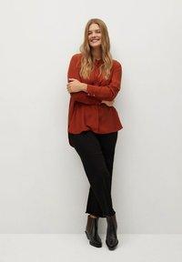 Violeta by Mango - DOBLE - Button-down blouse - granatrot - 1