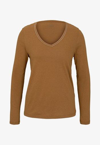 MIT V-AUSSCHNITT - Long sleeved top - tawny brown