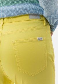 BRAX - STYLE MARY - Pantalon classique - yellow - 4