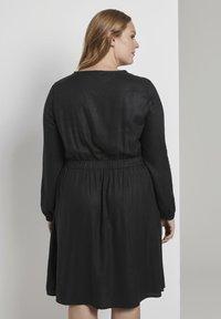 MY TRUE ME TOM TAILOR - FLUENT ELASTIC WAIST DRESS - Day dress - black - 2