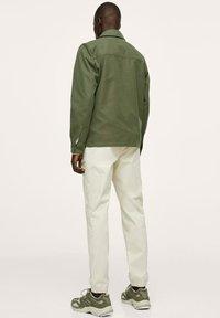 Mango - WASSERABWEISENDE - Summer jacket - khaki - 2