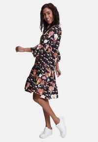 Betty Barclay - Day dress - black/rosé - 4