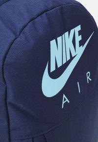 Nike Sportswear - ELEMENTAL UNISEX - School set - midnight navy/midnight navy/psychic blue - 4