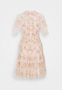 Needle & Thread - EMMA DITSY MINI DRESS - Koktejlové šaty/ šaty na párty - strawberry icing - 8