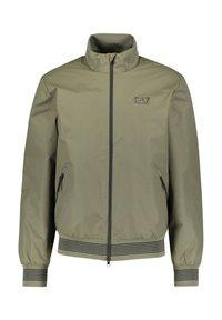 EA7 Emporio Armani - GIUBBOTTO - Light jacket - grün - 4