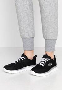 Skechers Wide Fit - GRACEFUL WIDE FIT - Zapatillas - black/white - 0