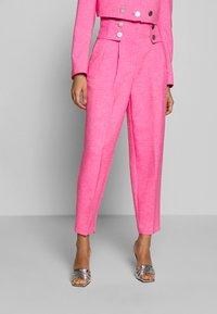 Topshop - PINK BUTTON DETAIL  - Pantalones - pink - 0