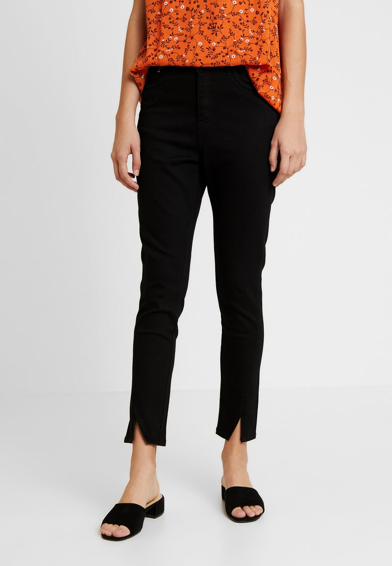 Kaffe - KAJULO GRACE - Slim fit jeans - black deep