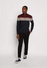 Burton Menswear London - YOKE HALF ZIP - Trui - purple - 1