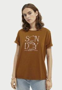 Scotch & Soda - Print T-shirt - spice - 0
