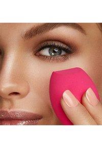 KIKO Milano - PRECISION MAKE UP BLENDER - Make-upsponsjes & -blenders - - - 1