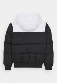 Calvin Klein Jeans - COLOUR BLOCK PUFFER JACKET - Winterjas - black - 1