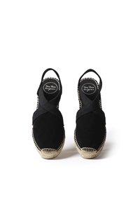 Toni Pons - TONA - Wedge sandals - black - 2