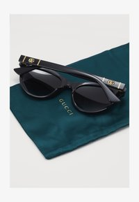 Gucci - Solbriller - black/grey - 1