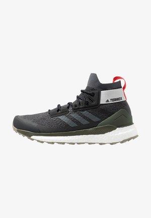 TERREX FREE HIKER - Hiking shoes - core black/grey six/night cargo