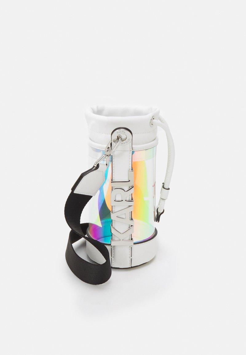 KARL LAGERFELD - LETTERS HOLOGRAM BOTTLE - Across body bag - iridescent