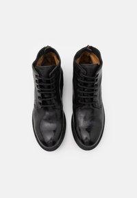 Cordwainer - Šněrovací kotníkové boty - todi washed black - 3