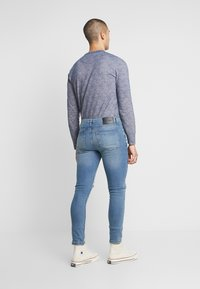 Daily Basis Studios - SKINNY FIT CAST - Jeans Skinny Fit - blue rip - 2