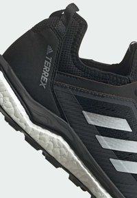 adidas Performance - TERREX AGRAVIC FLOW SCHUH - Nøytrale løpesko - black - 10