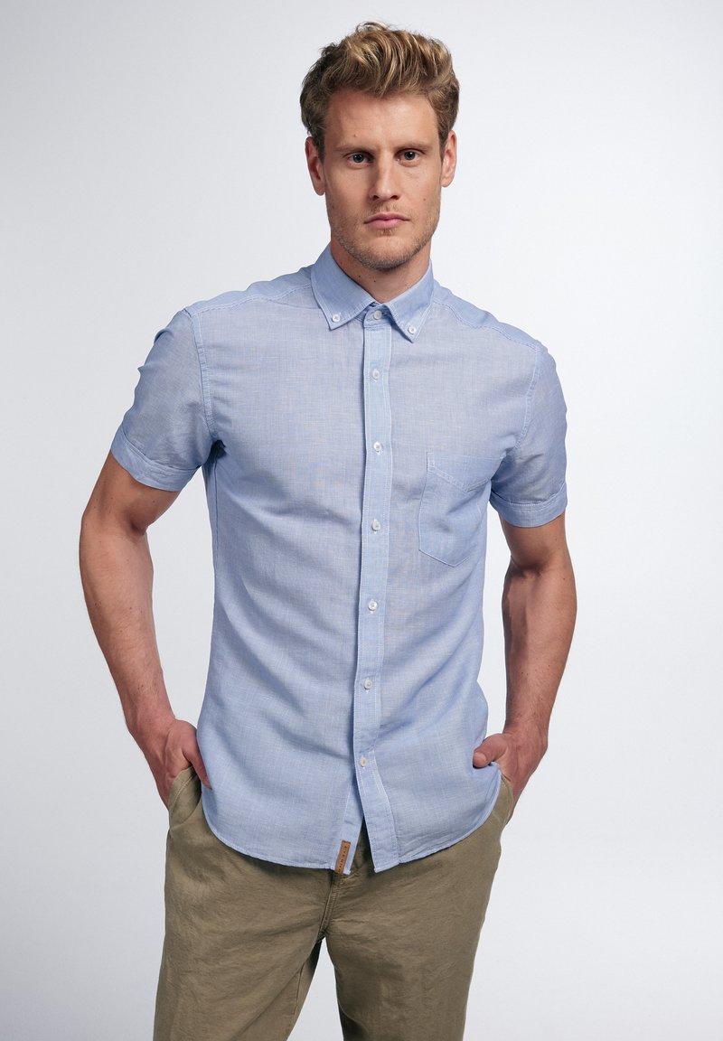 Eterna - SLIM FIT - Shirt - hellblau/weiß