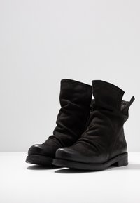 Felmini Wide Fit - SERPA - Classic ankle boots - pacific black - 4