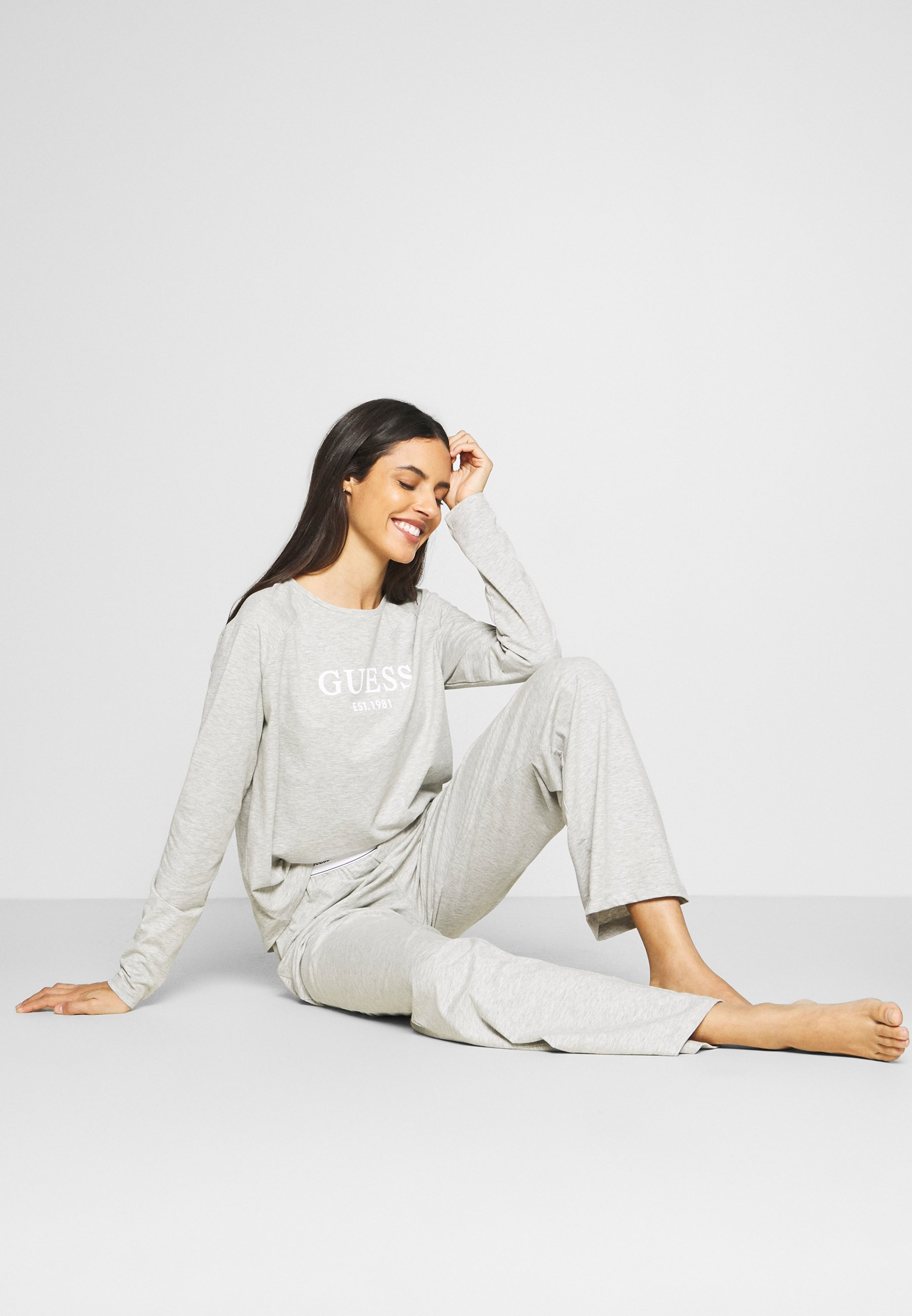 Guess Crew Neck - Pyjamasoverdel Grey/grå