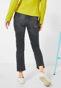 Street One - STRAIGHT LEG - Slim fit jeans - schwarz - 2