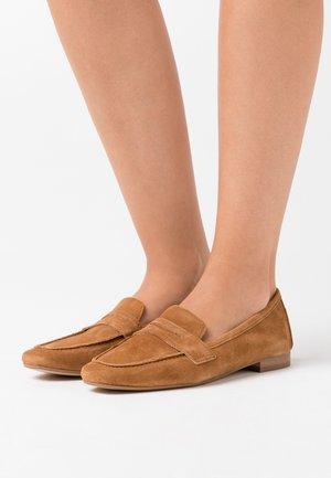RESEDA - Nazouvací boty - camel