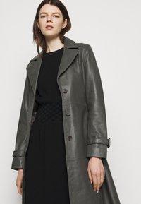 Tory Burch - WAIST DRESS - Jumper dress - black - 3