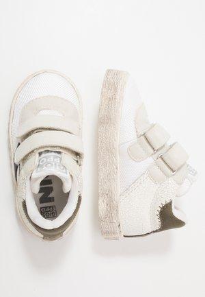High-top trainers - blanco