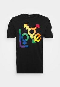 HMLLOVE - Print T-shirt - black/multi colour
