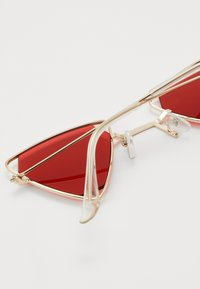 Vintage Supply - SUNGLASSES UNISEX - Sunglasses - gold-coloured/red - 1