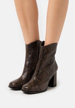 VMNATTI BOOT - High heeled ankle boots - peat