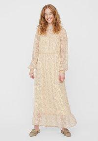 Vero Moda - Maxi dress - pale banana - 4