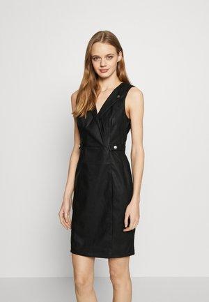 ONLBEXI DRESS - Pouzdrové šaty - black