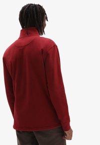 Vans - MN VERSA STANDARD Q-ZIP - Sweatshirt - pomegranate - 1