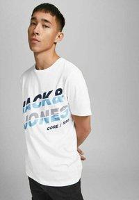Jack & Jones - JCOALPHA TEE - Print T-shirt - white - 3