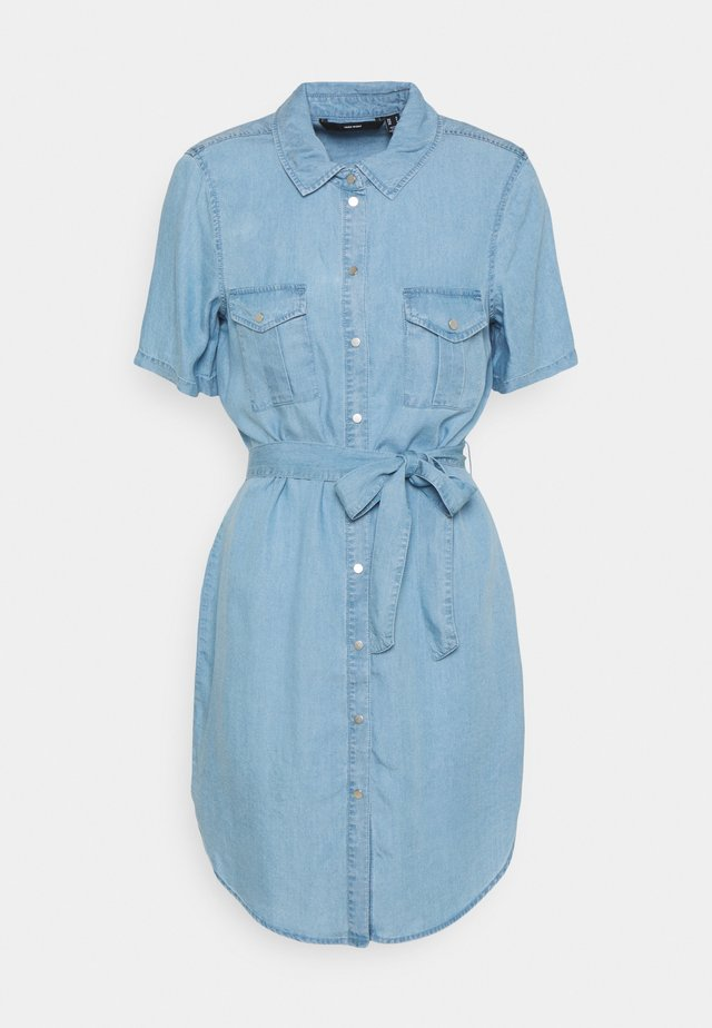 VMSILJA SHORT SHIRT DRESS - Robe en jean - light blue denim