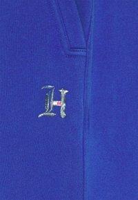 Tommy Hilfiger - LEWIS HAMILTON UNISEX PCR SWEATPANTS - Spodnie treningowe - sapphire blue - 7