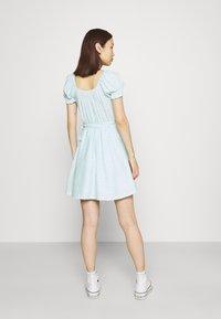Hollister Co. - SPRING FLOATER WRAP DRESS - Kjole - blue - 2