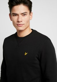 Lyle & Scott - CREW NECK - Felpa - jet black - 4