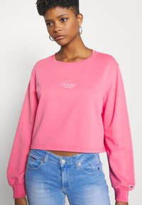 Tommy Jeans - WASHED LOGO CREW - Sweatshirt - glamour pink - 2