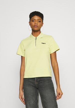 BRADY - Polo shirt - grass