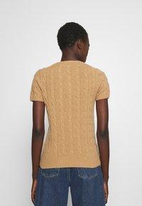 Polo Ralph Lauren - TEE SHORT SLEEVE - T-shirt z nadrukiem - collection camel melange - 2