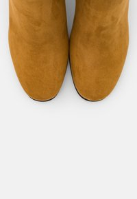 Marco Tozzi - Boots - mustard - 5
